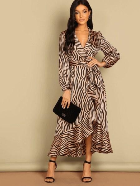 Sukienka Złota w Zebrę z Długim Rękawem Maxi