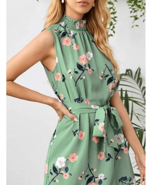 Secret Wish Boutique Sukienka Zielona w Kwiaty Bez Rękawów Mini (1)