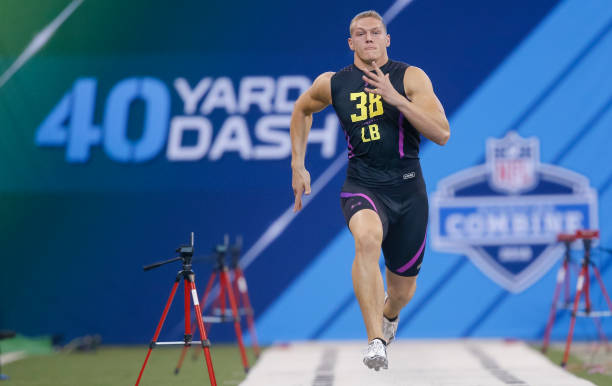 Boise State LB Leighton Vander Esch, wearing LB #38 at the NFL Combine runs the 40-yard dash