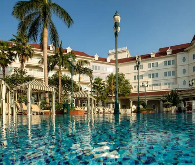 Hotel Pools Hong Kong Disneyland Resort