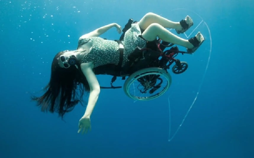 Video Scuba diving in a wheelchair proves anything is