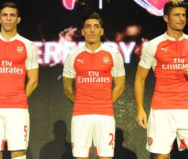 An Image On Twitter Claims Depict Arsenals New Home Shirt For The 2016 17 Premier League Season