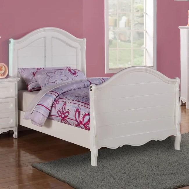Woodhaven Hill Hayley Sleigh Customizable Bedroom Set ...