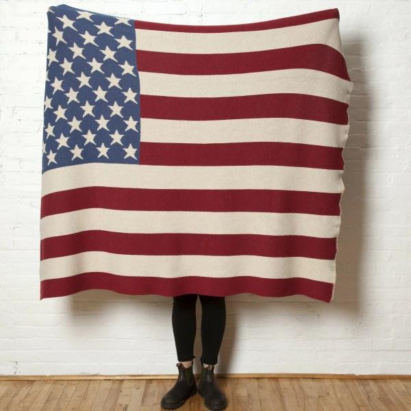 In2green Vintage American Flag Throw Blanket