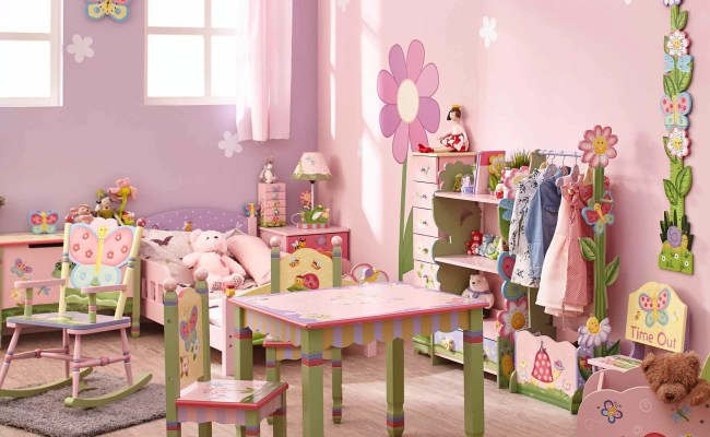 Fantasy Fields Magic Garden Panel Toddler Bed Reviews
