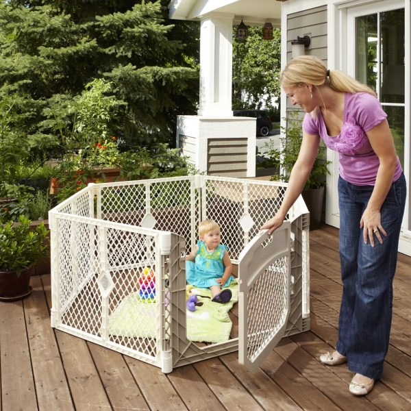 North States Superyard Ultimate Play Yard &