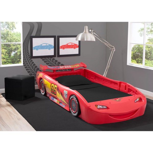 Delta Children Disney Pixar Cars Lightning Mcqueen Covertible Toddler Bed With Lights And Toy