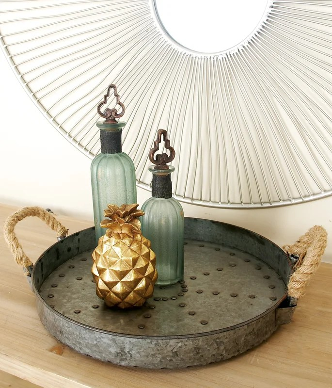 Check out this chic table decor!