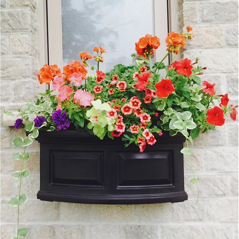 Mayne Inc Nantucket SelfWatering Plastic Window Box