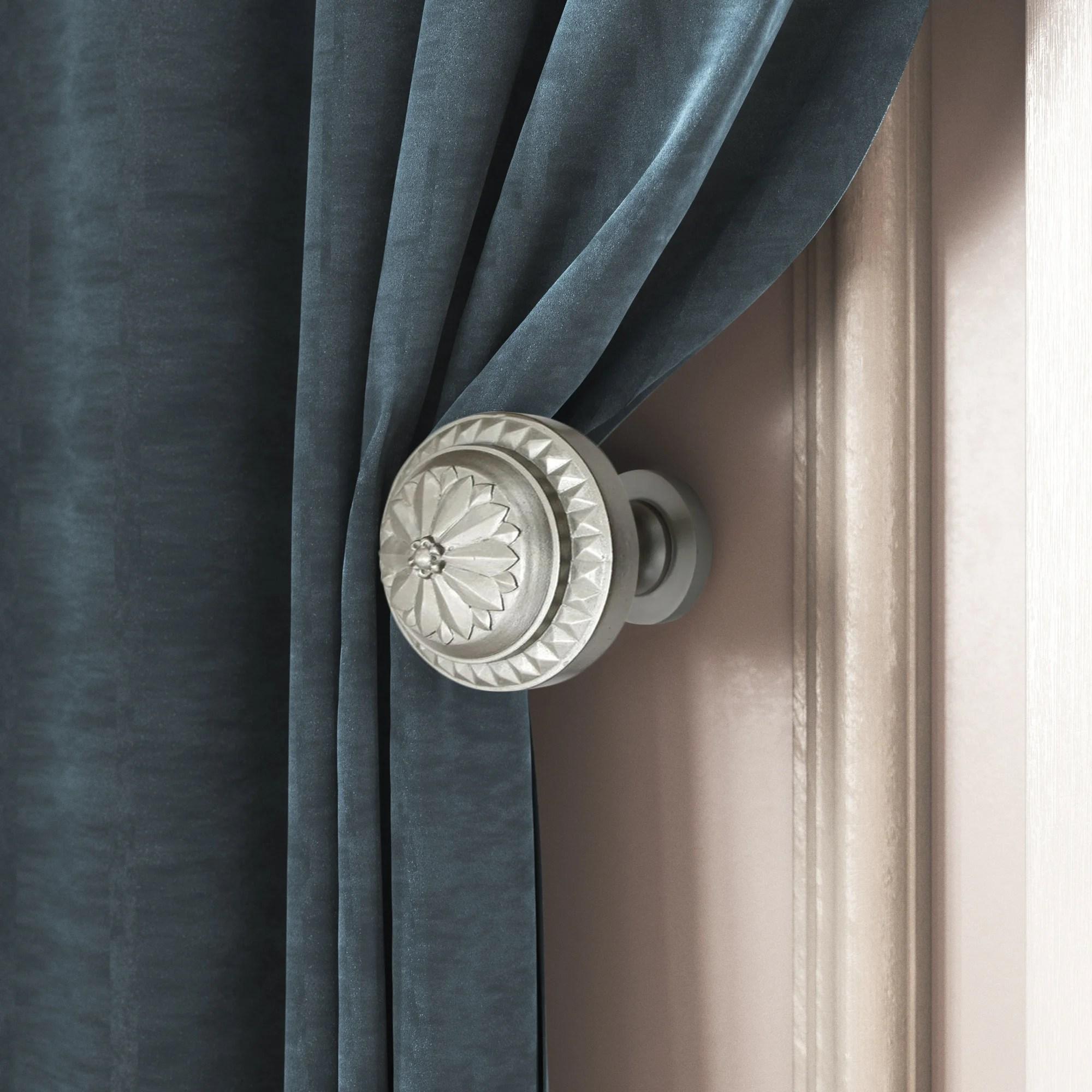 montgomery medallion curtain holdback