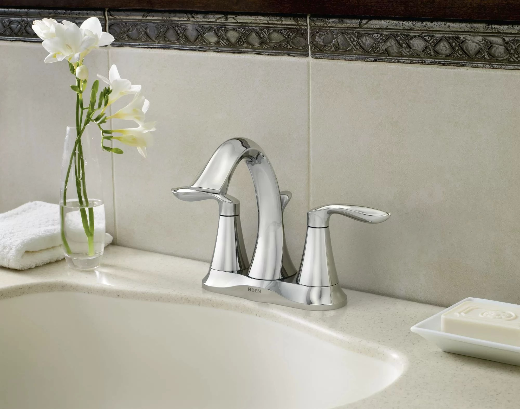 eva centerset bathroom faucet with drain assembly