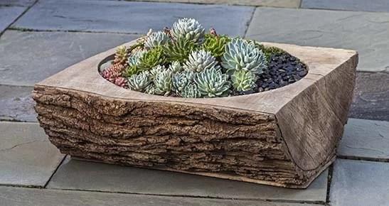 Split Log Cast Stone Planter Box Color: Verde