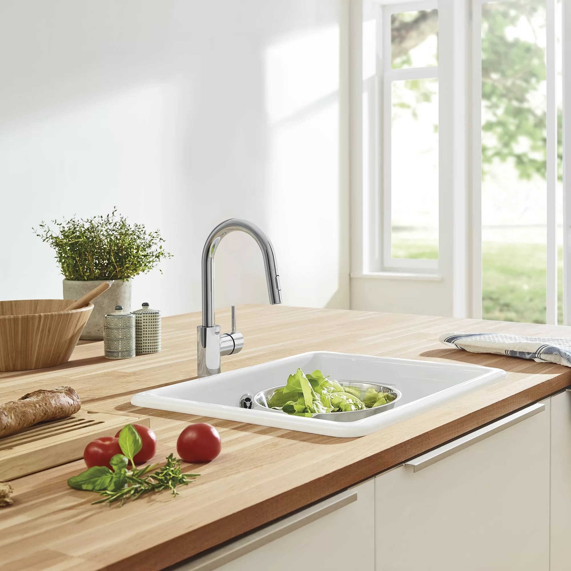 concetto pull out single handle kitchen faucet
