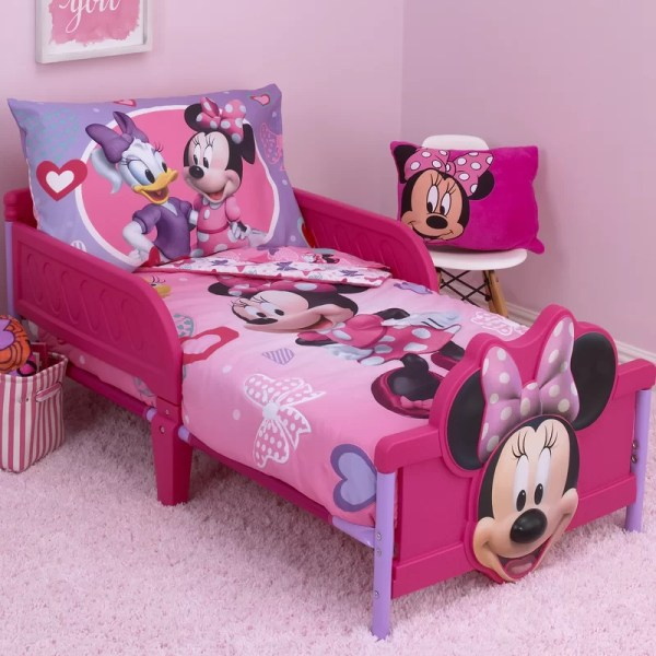 Disney Minnie Mouse Hearts And Bows 4 Piece Toddler Bedding Set &