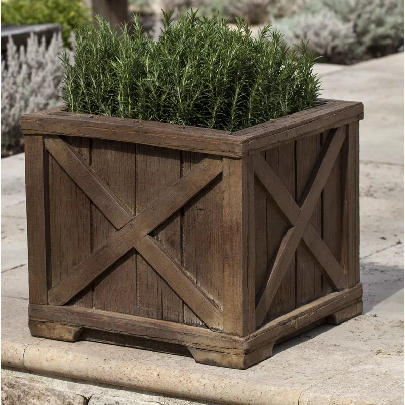 Versaille Cast Stone Pot Planter Color: Verde