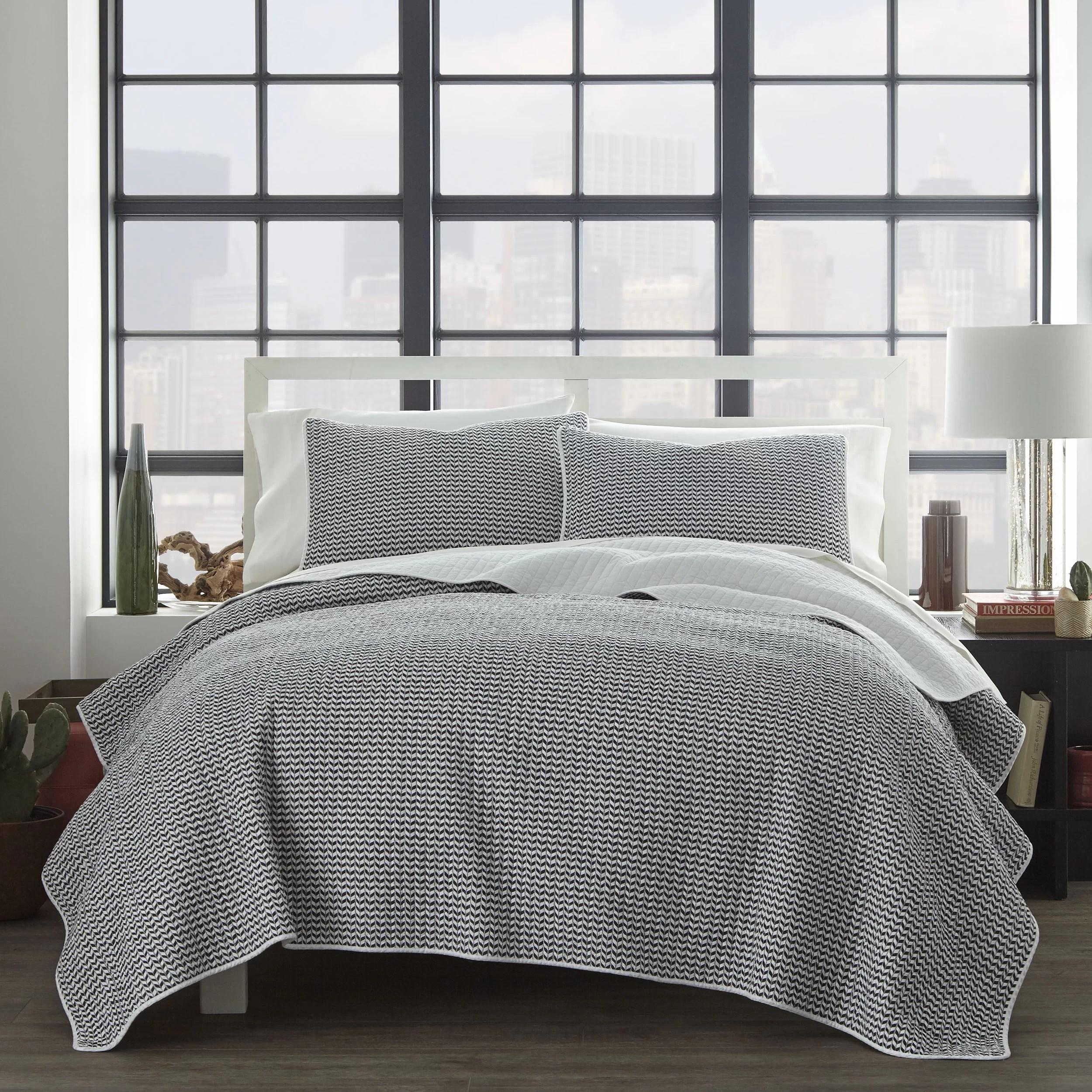 https www jossandmain com bedding bath pdp gaynell reversible quilt set j000962310 html