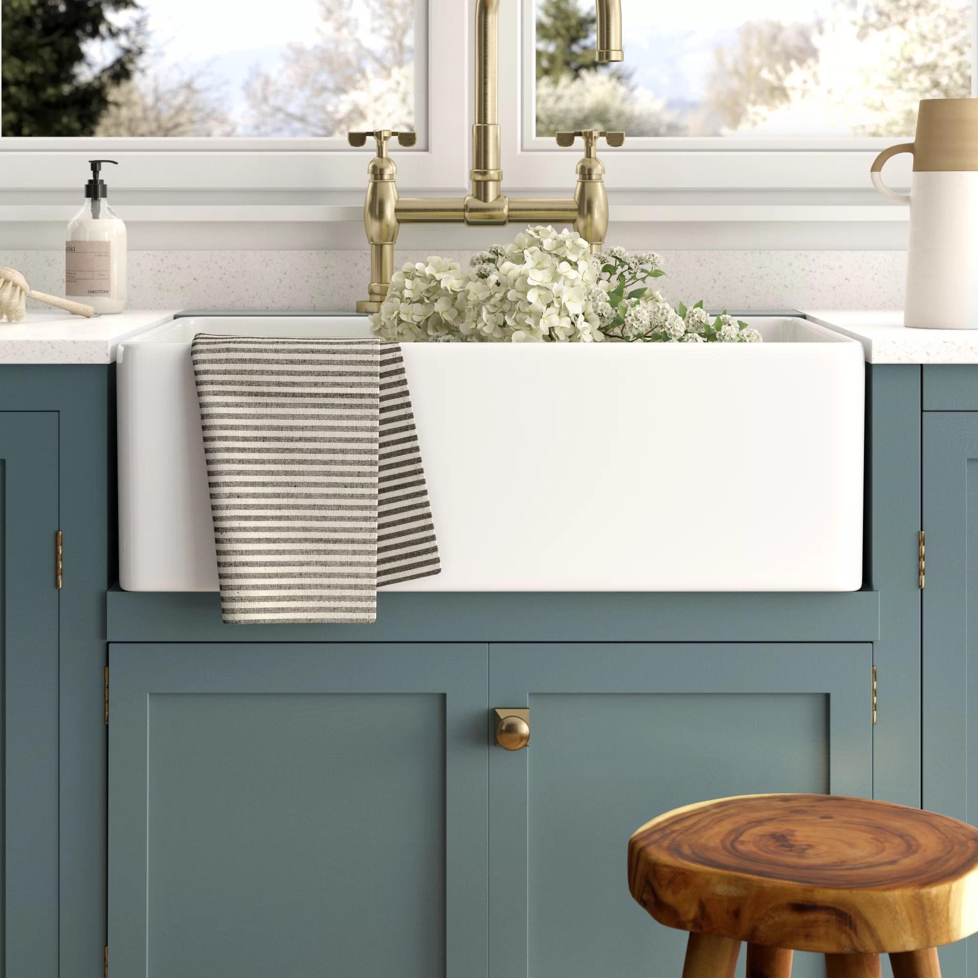 desalvo 30 l x 20 w farmhouse kitchen sink with basket strainer