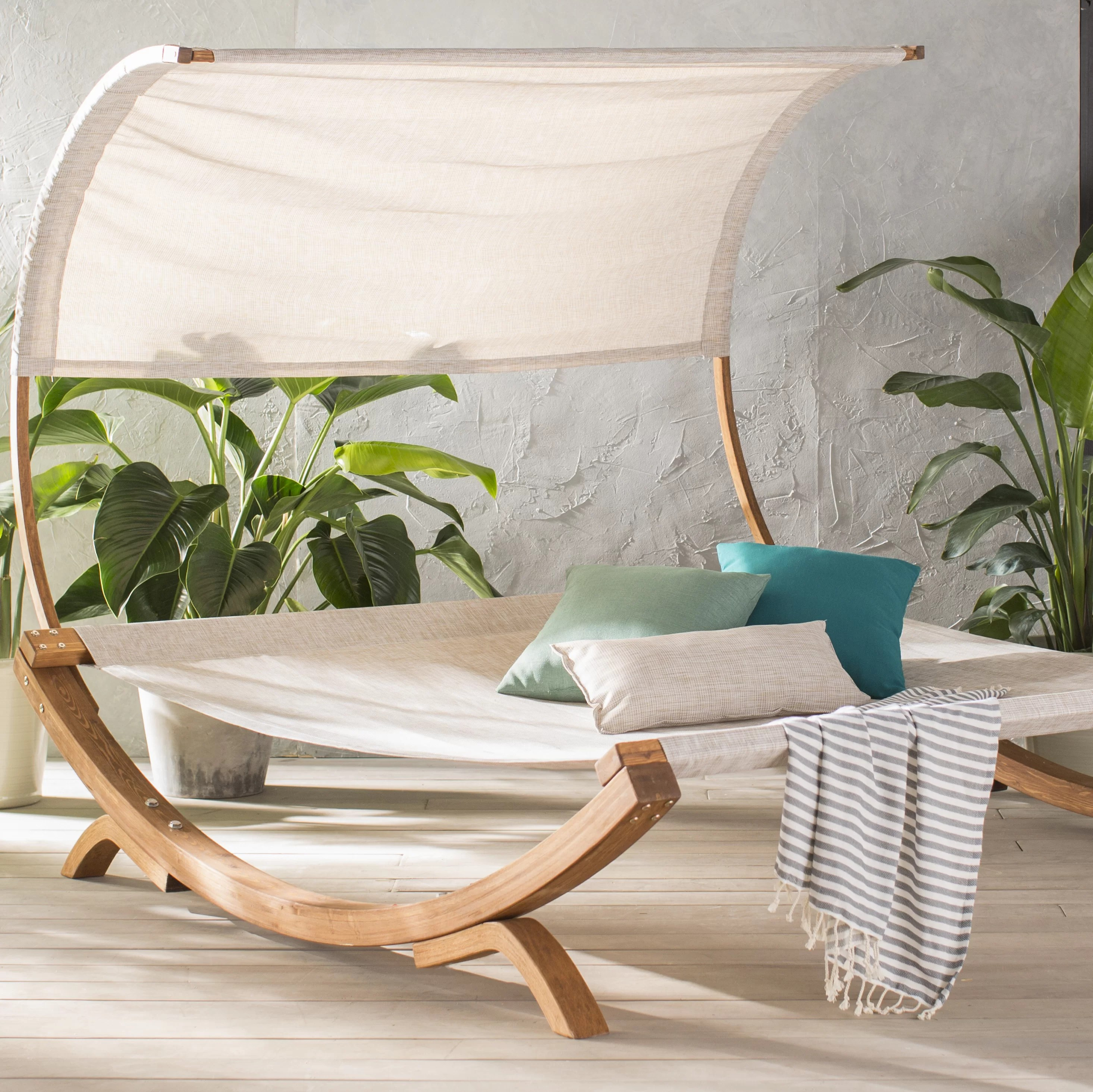 maura double chaise lounge with cushion