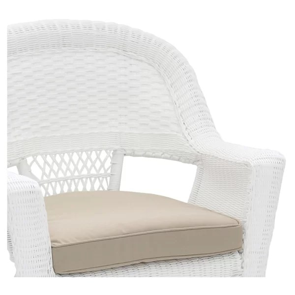 outdoor white wicker chairs