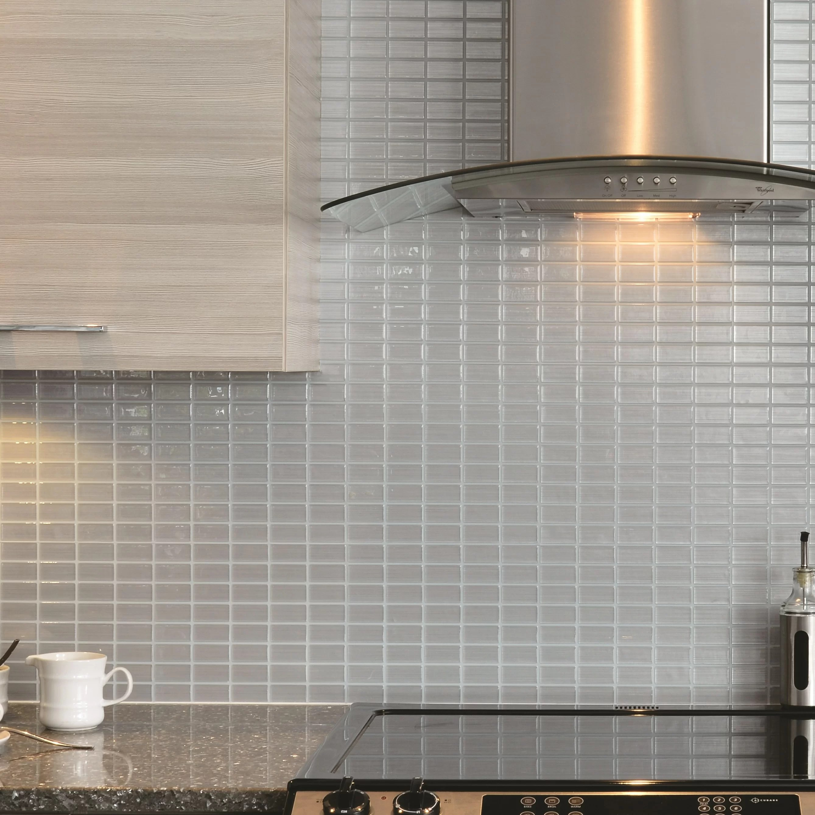 Smart Tiles Mosaik Stainless 1061 x 10 Peel  Stick