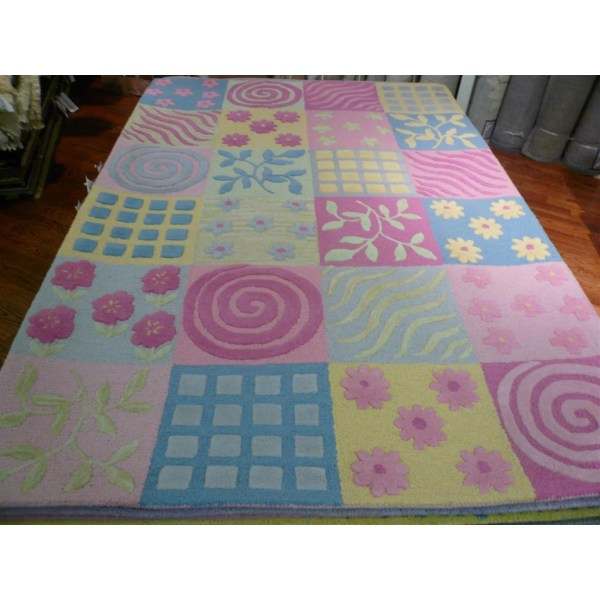 Safavieh Kids Pink Area Rug &