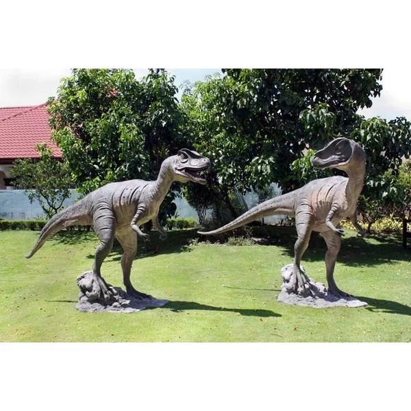 jurassic sized allosaurus dinosaur