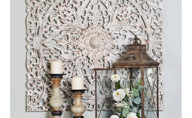 Bungalow Rose Traditional Carved Floral Medallion Wall