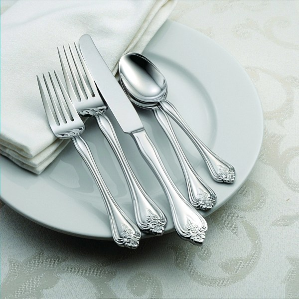Oneida 45 Piece Boutonniere Everyday Flatware Set