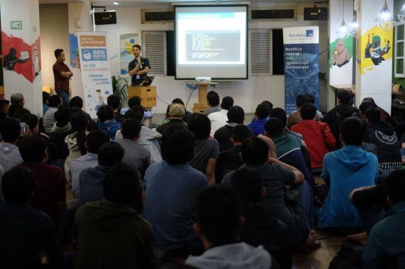 Irfan Maulana di BandungJS