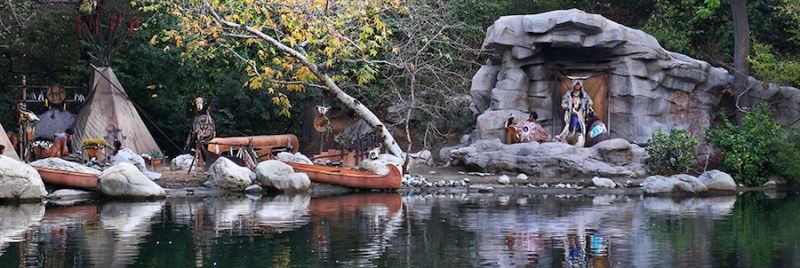 Disneyland-Railroad-Rivers-America-Summer-2017