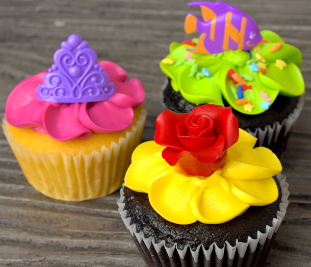 Magic Kingdom Cupcakes - Disney Parks Sweet Treats: May 2017