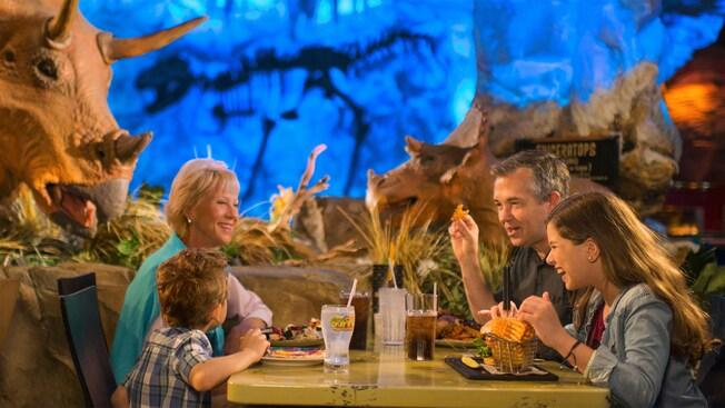Restaurante Temático em Orlando: T-Rex | Foto: Walt Disney World