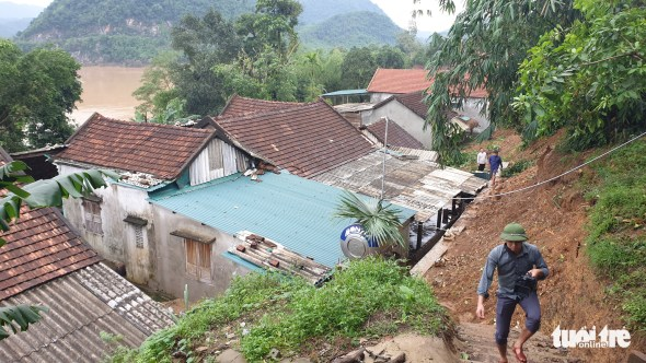 <em>Housed are located at the foot of Keo Mountain in Quang Binh Province, Vietnam. Photo</em>: Tuoi Tre