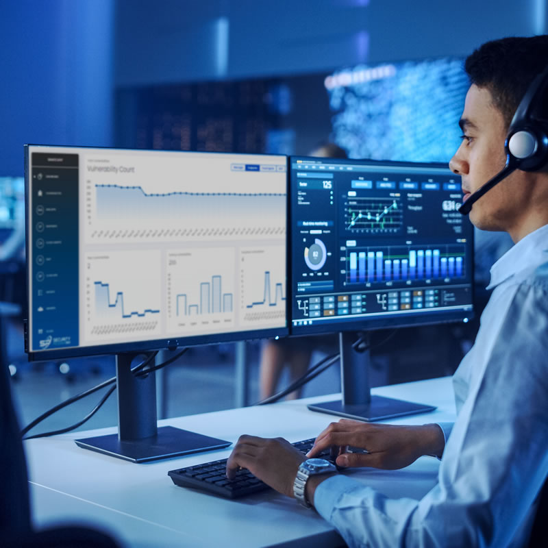 IT Professional using security monitoring software from SecurePoint 360