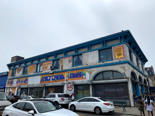 Coney Island Museum og Freak Bar der åbner op snart.
