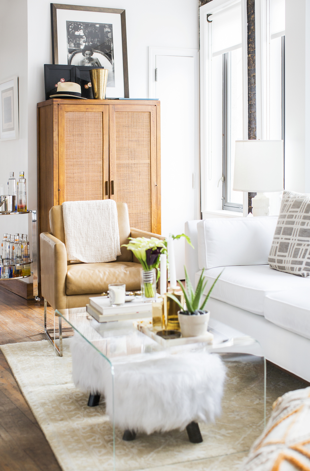 how to style a stunning coffee table