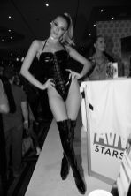 emma-hix-day in the life _AVN Stars which is third booth signing at that day73