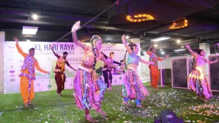 what-to-do-kuala-lumpur-tourism-bureau-mayor-hari-raya-eid-mubarak-festival-2016-travel-expat-blog-1