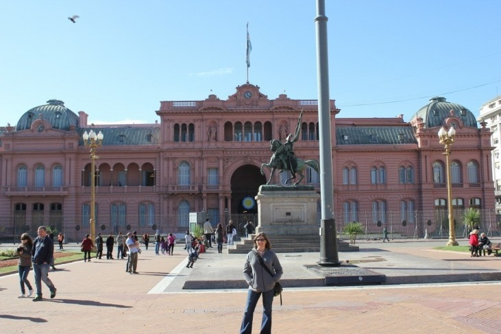 Equestrian statue in front of Casa Rosada in Buenos Aires, Argentina
