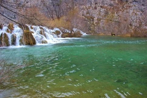 Plitvice Lakes photos: The stunning emerald green water of Plitvice Lakes