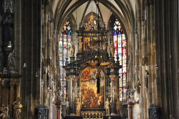 Altar at St. Stephen's Catedral in Vienna, Austria