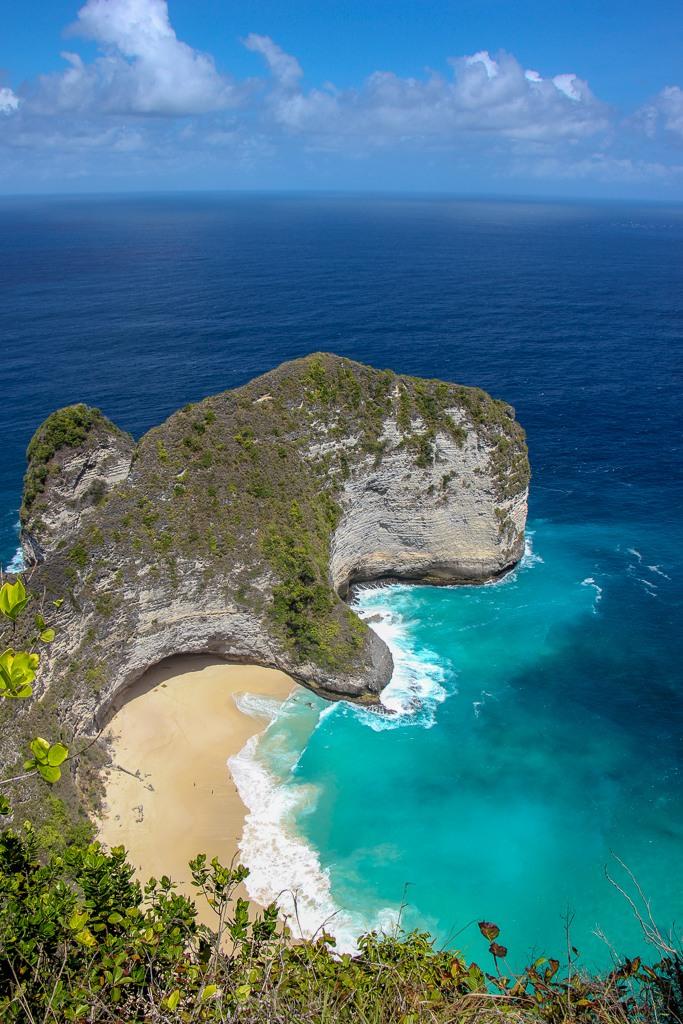 View of Kelingking Beach on Nusa Penida, Bali, Indonesia