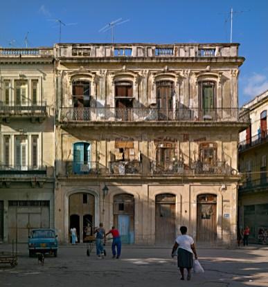 Facade on Plaza del Cristo, Habana Vieja