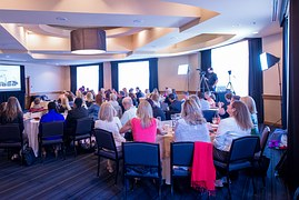 meeting-business-936059__180