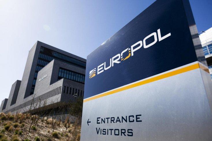 Europol ddos arrests