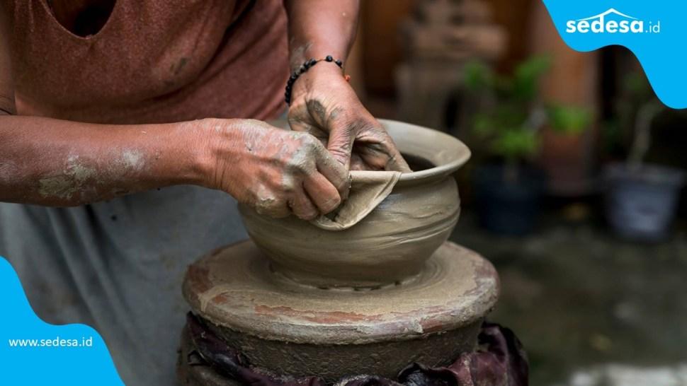 Melestarikan Kerajinan Tangan Tradisional