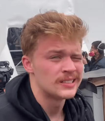 Tyler Hansen #gingerlipbroom
