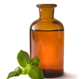 You can use vegetable oils to clean equipment used to make aromatherapy and skincare products, istockphoto, used with permission