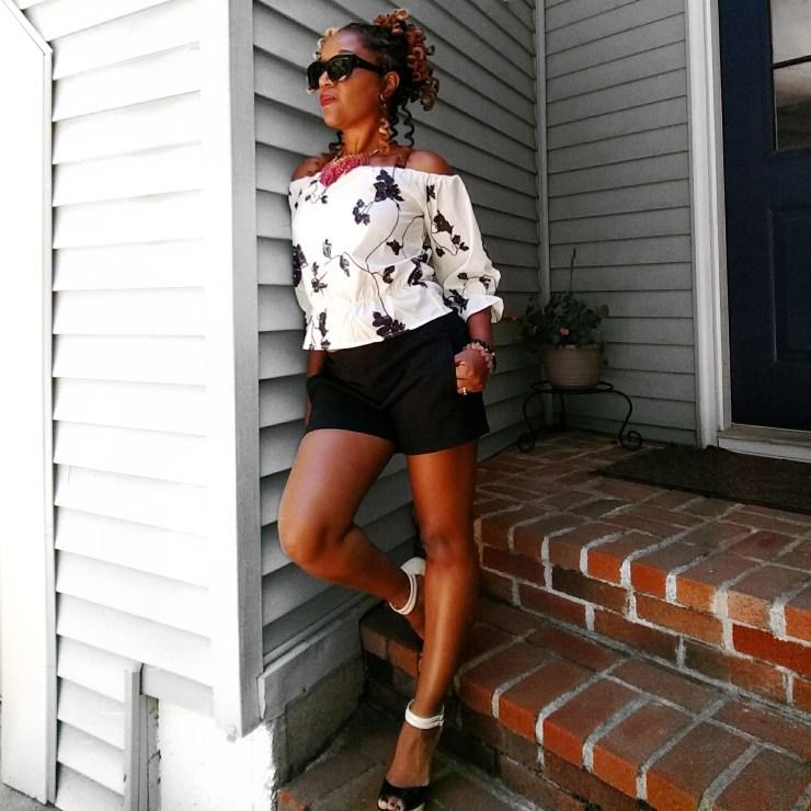 Off-Shoulder Black & White Blouse | Sedruola Maruska