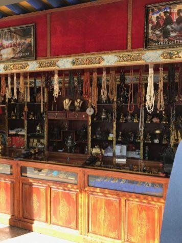 Shop-in-Llasa_Tibet